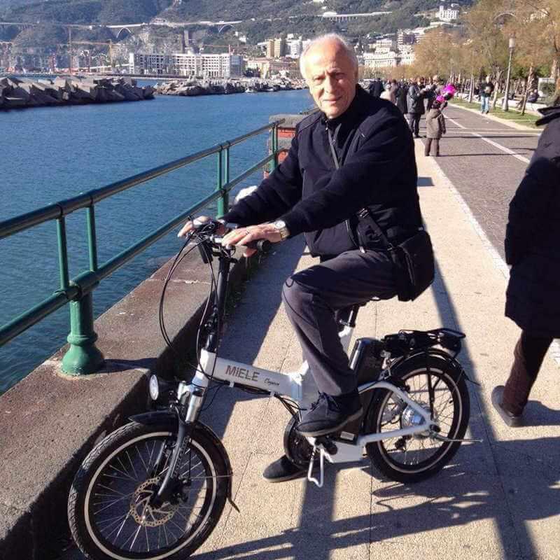 Avvocato Franco Annunziata bici elettrica miele