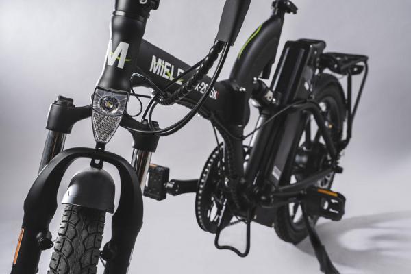 bici pieghevole pedalata assistita forcella ammortizzata