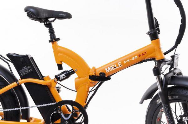 bicicletta elettrica pieghevole arancione ammortizzata