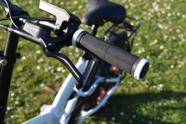 bici elettrica pieghevole freni idraulici