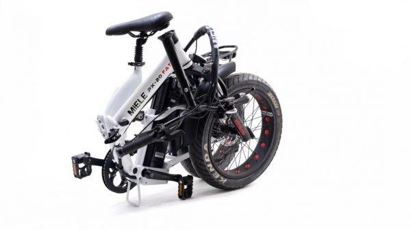 bici elettrica pieghevole miele chiusa