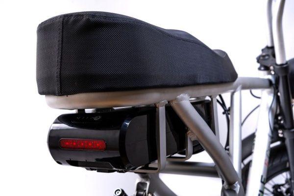 bici elettrica e cross faro posteriore