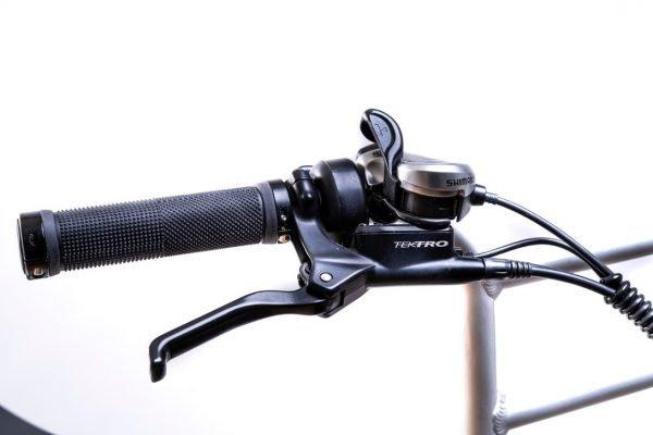 bici elettrica e cross freni idraulici