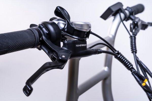 bici elettrica e cross manubrio